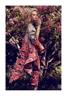Faded Feminine Fashion : reminiscences by marta macha for kismet international