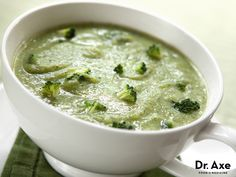 This creamy broccoli soup is absolutely delicious and full of healthy fats from coconuts. Coconuts help speed weight loss and stimulate the metabolism!