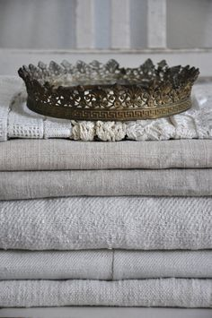 (via Art & Vintage / Romantique and Shabby) Textiles, Linen Curtains, Linen Fabric, Roman Curtains, Patterned Curtains, Layered Curtains, Purple Curtains, Luxury Curtains, Double Curtains
