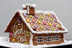Pepperkake hus ... gingerbread house.