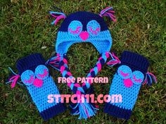 Free Crochet Pattern for Leg Warmers and Owl Hat Set