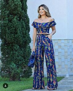 I like the pattern Simple Outfits, Classy Outfits, Fall Outfits, Summer Outfits, Cute Outfits, Hijab Fashion, Fashion Dresses, Jumpsuits For Women, African Fashion