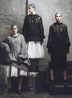 Interested in developing your knitwear skills? The have their introduction to knitwear short course kicking off this week! Image via the amazingly talented Image Fashion, Foto Fashion, Fashion Details, Fashion Design, Fashion Trends, Knitwear Fashion, Knit Fashion, Mode Style, Knitting Designs