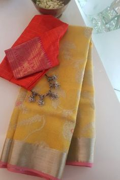 Tussar Silk Saree, Chiffon Saree, Saree Dress, Designer Sarees Wedding, Saree Wedding, Bollywood Saree, Bollywood Fashion, Cotton Saree Blouse Designs, Pakistani Dresses