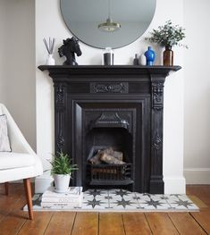 Terrific Pictures victorian Fireplace Hearth Style – Rebel Without Applause Bedroom Fireplace, Home Fireplace, Living Room With Fireplace, Fireplace Design, Home Living Room, Living Room Decor, Bedroom Decor, 1930s Fireplace, Victorian Fireplace Tiles