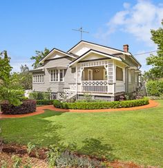 4 bedroom house at 152 Geddes Street, East Toowoomba QLD 4350 sold on Dec View 18 photos, schools and neighbourhood info on Homely. Exterior House Colors, Exterior Paint, Exterior Design, Queenslander House, Beach Mansion, Old Houses, Nice Houses, Dream Houses, Cottage Style Homes