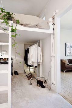 41 metros cuadrados de apartamento con la cama en altillo