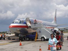 American Airlines 737-800 Cayman Islands