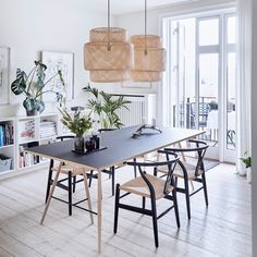 Beautiful Scandinavian Dining Room Design Ideas - This short article includes a number of quick suggestions to look for when scouting for the seating for your dining area in your house. Leather Living Room Set, Scandinavian Dining Room, Home Decor Styles, Beautiful Dining Rooms, Living Room Sets, Lamps Living Room, Ikea Dining, Ikea Dining Room, Dining Room Decor Modern