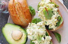 Sałatka jajeczna z awokado / Avocado egg salad