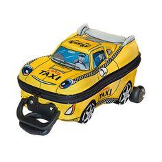 Conheçam as espetaculares Mochilas 3D da MaxToy, artigos incríveis que vão conquistar a garotada. Neste modelo a garotada vai poder se divertir ainda mais indo para a escola ou passeando, pois poderá transportar seus materiais de estudos e seus brinquedos no sensacional Crazy Taxi. Além disso, a Mochila tem rodinhas e alça para facilitar o transporte dos pequeninos. A mochila 3D da MaxToy é um artigo impecável que vai proporcionar muitos momentos de alegria.