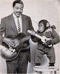 Slim Gaillard and J. Fred Muggs, guitar duo http://www.youtube.com/watch?v=OxH6MSy58vc