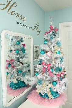 The Yellow Cape Cod: Holiday Home Series: Let The Kids Decorate