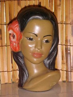 Someone made one of these for my mom as a gift. Shabby Vintage, Vintage Love, Vintage Beauty, Vintage Shops, Retro Vintage, Vintage Beach Party, Polynesian Girls, Tahiti, Tiki Lounge