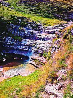 Small waterfall in Bucegi Natural Parc Small Waterfall, Travel Tips, Mountains, Natural, Travel Advice, Travel Hacks, Nature, Bergen, Au Natural