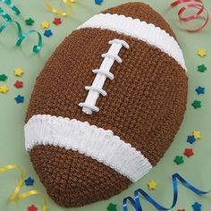 This is one of the most rewarding and easiest cakes to tackle. First and Ten pan makes desserts that are great for homecomings, the beginning of football season and even the big game. How to make cake Wilton Cakes, Cupcake Cakes, Football Themes, Football Cakes For Boys, Football Birthday Cakes, Football Desserts, Football Food, Cake Birthday, 9th Birthday