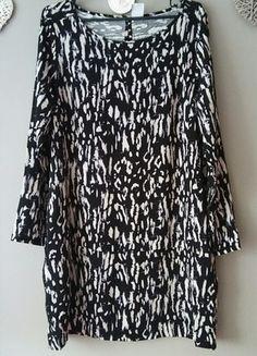 Kup mój przedmiot na #vintedpl http://www.vinted.pl/damska-odziez/krotkie-sukienki/13555895-sukienka-pudelkowa-wzorzysta-cienki-lejacy-material