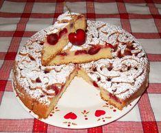 Torta sofficissima con ciliegie fresche