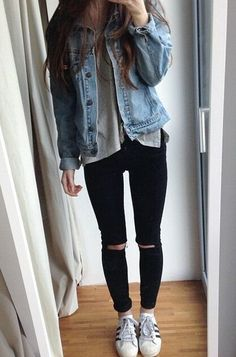 Women's Fashionable Ripped Skinny Denim Jeans