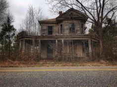 All Over The World, All Pictures, Abandoned, Cabin, House Styles, Home, Left Out, Cabins, Ad Home
