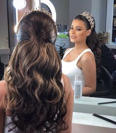 the best hair style Bride Makeup, Wedding Hair And Makeup, Hair Makeup, Hair Wedding, Wedding Hairstyles With Crown, Bride Hairstyles, Updo Hairstyle, Quince Hairstyles, Bridal Hair Inspiration