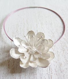 OFELIA // Sterling silver flower necklace