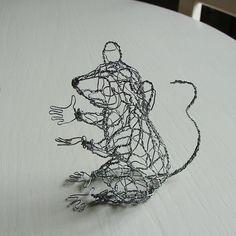 Wire animals by wire artist Ruth Jensen Chicken Wire Art, Chicken Wire Crafts, Camping With Teens, Wire Wall Art, Wire Crochet, Wire Jewelry, Jewellery, Wire Work, Metallica