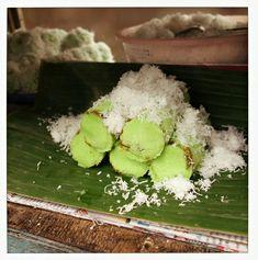 Kue putu Indonesian Cuisine, Avocado Toast, Breakfast, Ethnic Recipes, Food, Morning Coffee, Essen, Indonesian Food, Meals