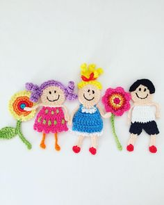 Crochet Motif, Crochet Flowers, Applique Patterns, Crochet Necklace, Crochet Ideas, Joy, Gift, Ideas, Knitted Animals