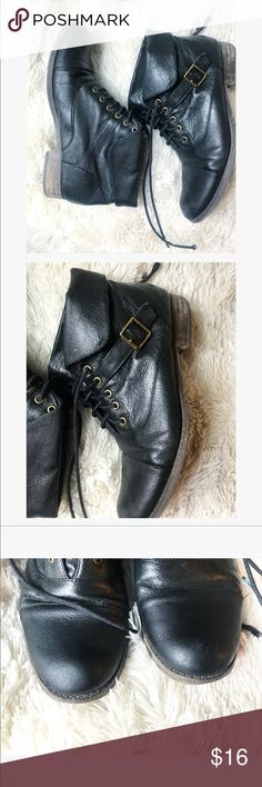 Zara Black leather belt booties Cute Steve Madden booties with a cute belt on the side  Shoes are used & do show some sign of wear  1) sole on the button ( photographed ) 2) may need new laces , up to you  3) and some light scuff Steve Madden Shoes Ankle Boots & Booties