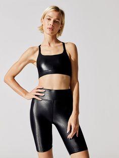 FLAT TWIST CROSS BACK BRA IN TAKARA SHINE Fitness Outfits, Workout Attire, Flat Twist, Sports Leggings, Workout Tops, Sporty, Flats, Crop Tops, Bra