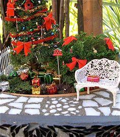 Celebrating 17 Years of Creating History – The Mini Garden Guru Christmas Garden, Miniature Christmas, Christmas Minis, Christmas Design, Merry Christmas, Halloween Fairy, Mini Fairy Garden, Fairy Gardening, Winter Fairy
