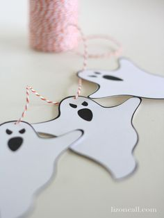 Free printable ghost banner #halloween #banner - Liz on Call