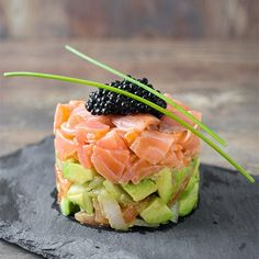Healthy Snacks, Healthy Recipes, Healthy Eating, Cucumber Recipes, Snacks Für Party, Happy Foods, Appetisers, Food Presentation, Food Plating