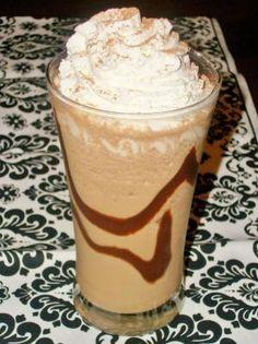 Nutella Blended bebida del café ✿ 1 taza de leche, ½ cucharadita de extracto de vainilla, 1 ½ cucharadita de café instantáneo, 4 cdtas Nutella, 1 cucharada de azúcar, 1 taza de hielo ½ ❀ Decoración: crema batida, sirope de chocolate, cacao en polvo ✿ Añadir todos los ingredientes en la licuadora, excepto las guarniciones.  Mezcle hasta que quede suave.  Finalizar haciendo girar un poco de jarabe de chocolate en su taza, se vierte en una copa, cubra con crema batida y una pizca de polvo de…