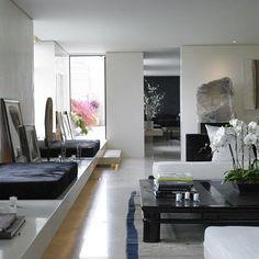 Apartamento de Donna Karan, em Manhattan, Nova York. Projeto de  Bonetti-Kozerski Studio. #arquitetura #arte #art #artlover #design #architecturelover #instagood #instacool #instadesign #instadaily #projetocompartilhar #shareproject #davidguerra #arquiteturadavidguerra #arquiteturaedesign #instabestu #decor #architect #criative #interiores #estilos #combinações #interiors #styles #combinations #donnakaran #manhattan #novayork #bonettikozerskistudio