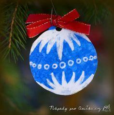Modrotisk pro nejmenší Christmas Activities For Kids, Kids Christmas, Christmas Bulbs, Christmas Decorations, Xmas, Holiday Decor, Kids Crafts, Arts And Crafts, Elementary Art