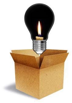 """A luz, além de um instrumento funcional que nos faz """"ver"""", é também uma ferramenta utilizada por designers de interiores para transformar ambientes. Viver na falta dela não é nada fácil! E dada a sua importância, a UNESCO (Organização das Nações Unidas para a Educação, a Ciência e a Cultura), instituiu este ano para aprofundar questões relacionadas a este bem tão indispensável."""