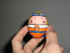 Inspired by: [link] by Risachantag, I was incredibly bored and decided to paint an actual easter egg of Naruto! The egg was completly painted by . Funny Easter Eggs, Easter Egg Crafts, Hoppy Easter, I Love Anime, Awesome Anime, Creative Activities For Kids, Crafts For Kids, Angry Birds, Anime Naruto