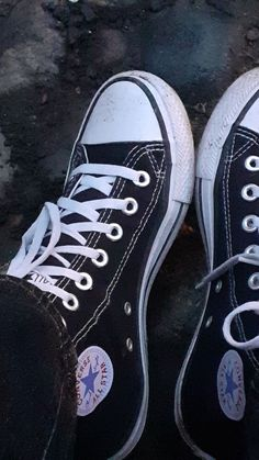Black High Top Converse, Black High Tops, Converse All Star, High Top Sneakers, Free Instagram, Chuck Taylor Sneakers, Grunge, Passion, Stars