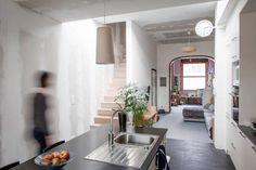 verbouwing rijhuis - Google Search Minimalist Kitchen, Oversized Mirror, Kitchen Design, Sweet Home, Inspiration, House, Furniture, Interior Ideas, Home Decor