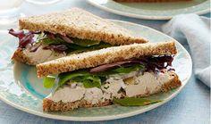 Se você quer se alimentar bem, mas não tem tempo de preparar pratos com um preparo mais demorado, a opção do sanduíche de forno light pode ser interessante.