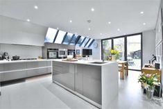 3 bedroom terraced house for sale in Palace Road, Bromley, Kent - Rightmove | Photos