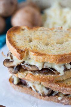 Caramelized Onion Mushroom and Swiss Melt Really nice recipes.  Mein Blog: Alles rund um Genuss & Geschmack  Kochen Backen Braten Vorspeisen Mains & Desserts!