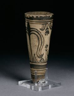 Conical pottery rhyton with stylized plant motifs. Late Minoan Found in Egypt, Faiyum, Gurob (British Museum) Creta, Minoan Art, Bronze Age Civilization, Mycenaean, Greek History, Greek Culture, Greek Art, British Museum, Ancient Art