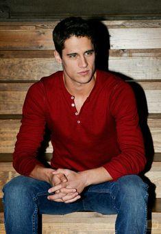 I'm in love with Martin Rivas! Spanish Men, Latino Men, Attractive Men, Male Beauty, Perfect Man, Hot Boys, Sensual, Cute Guys, Beautiful Men