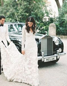Im going to arrive to my wedding in that car