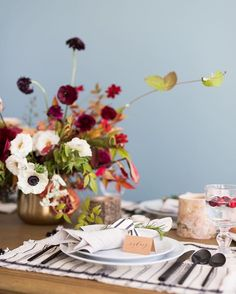 Modern fall tablescape. Studio mcgee