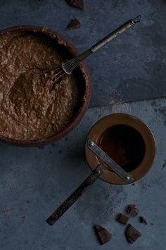 Chocolate Avocado Cake - Kitchen Hoopla