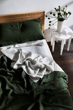 Olive Flax Linen Bedding Set - Rich, dark green bedding brings a stylish edge to any bedroom. Try our Olive linen bedding set to u - Green Bedding, Bedroom Green, Home Bedroom, Olive Bedroom, Dark Bedding, Dark Cozy Bedroom, Winter Bedroom Decor, Bedrooms, Bedroom Inspo